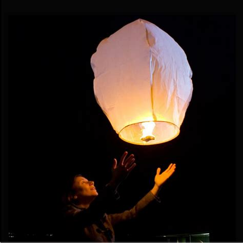 Make Flying Paper Lanterns - 50 white paper sky flying wishing lantern l