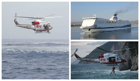 capitaneria porto genova genova infarto sul traghetto guardia costiera salva uomo