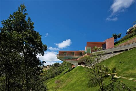 houses built on slopes house on steep slope memes