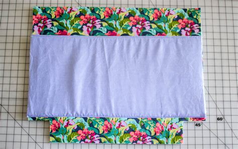 free tote bag pattern with inside pockets add a laptop pocket to any tote bag pattern free tutorial