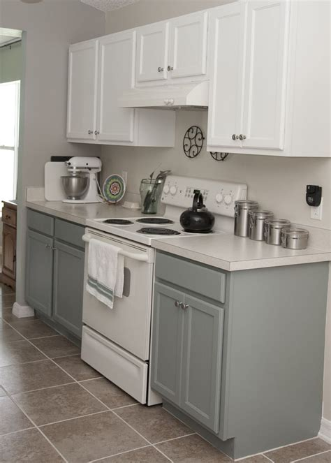 Rustoleum Kitchen Cabinet Paint Two Tone Kitchen Cabinets Rustoleum Cabinet Transformation Kit Seaside On The Bottom And Linen