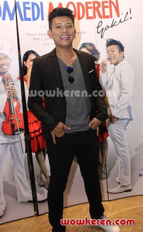 streaming film indonesia komedi moderen gokil foto boris bokir di gala premier film komedi moderen