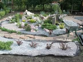 Rock Garden Designs Front Yard - steinbeet im vorgarten anlegen 12 ideen f 252 r den steingarten