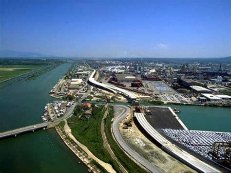 porti francesi alleanza tra i porti di livorno piombino e quello