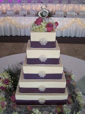 Best 25  Silver wedding cakes ideas on Pinterest   Grey