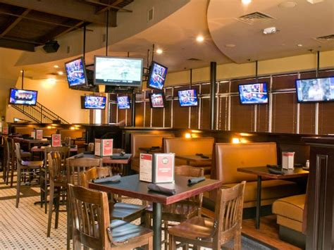 top bars in atlanta the best sports bars in atlanta