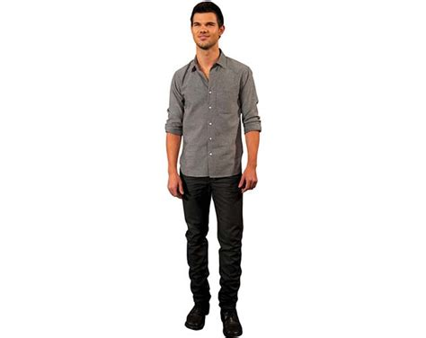 taylor lautner haircut instructions cardboard cutout of taylor lautner lifesize celebrity