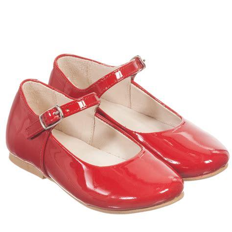 manuela de juan shiny patent leather shoes