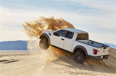 ford raptor jump 2017 ford f 150 raptor jumping dune photo 126146107