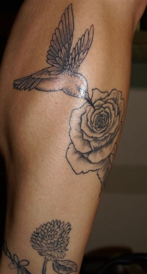 hummingbird with rose tattoos black and white hummingbird tattoos