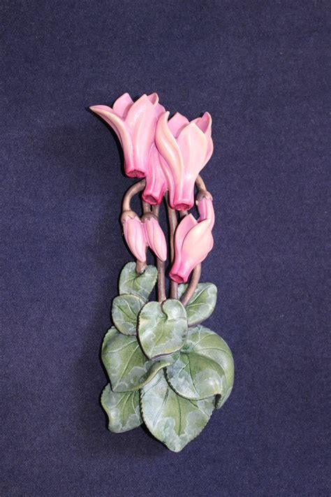 fiore ciclamino ciclamino cyclamen scolpito in legno fiori zeniscultori