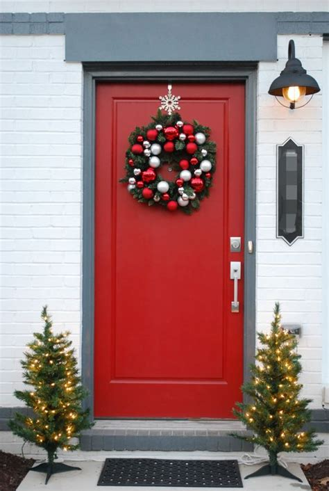 christmas front door decor front door christmas decor christmastime pinterest