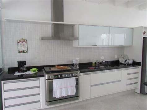 apartamentos decorados mrv planta do meio foto cozinha planejada de amadeisan moveis planejados