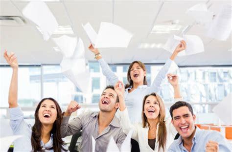imagenes extrañas de humanos las personas felices son 88 m 195 161 s productivas cambio digital