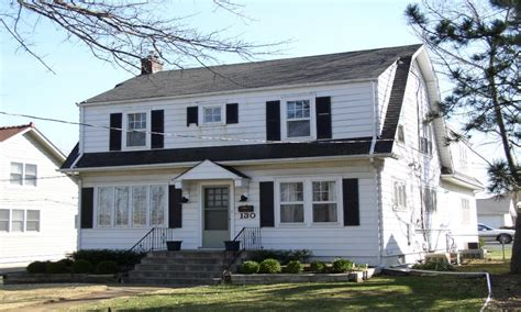 colonial house style characteristics houses dutch colonial revival gambrel roofs dutch colonial