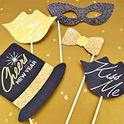 free printable photo booth props new year 2016 free happy new years printables photo props banner