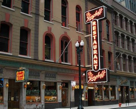chicago restaurants 17 best images about chicago history on lakes chicago skyline and