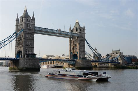 thames clippers joint ownership isle of wight boatbuilder secures 163 6 3m deal and 75 new jobs