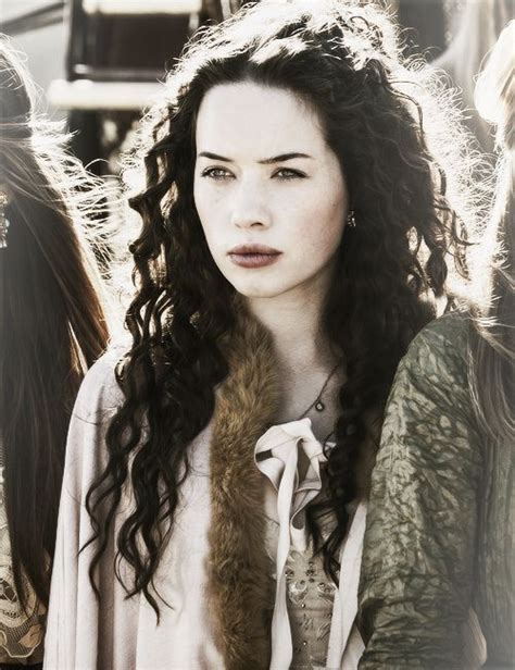 how did they curl anna poppelwale hair in reign anna popplewell in reign products i love pinterest
