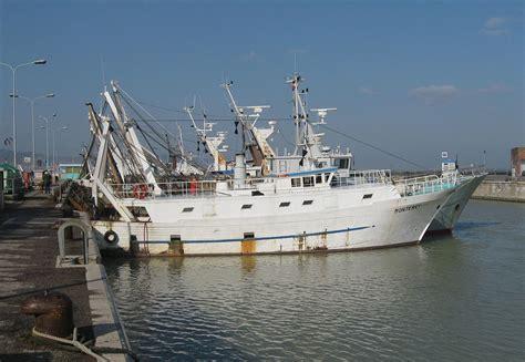 la nel porto peschereccio