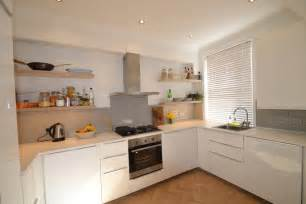cuisine meuble cuisine schmidt avec clair couleur meuble