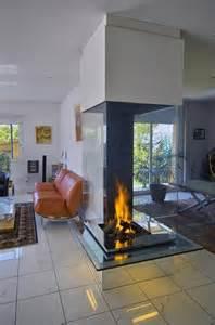 cheminee centrale en verre