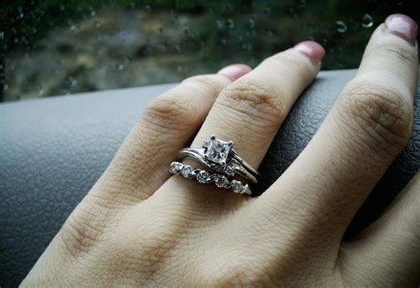 wedding ring and engagement ring don t match do wedding rings need to match engagement rings