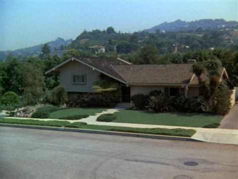 Brady Bunch House Floor Plan by Its A Brady Kind Of House