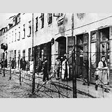 Jewish Ghettos During The Holocaust | 400 x 303 gif 94kB