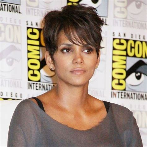 picture of halle berry hairstyle on extant 497 best hall berry images on pinterest berries berry