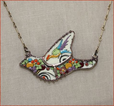 things to make with besides jewelry 25 best ideas about broken china jewelry on