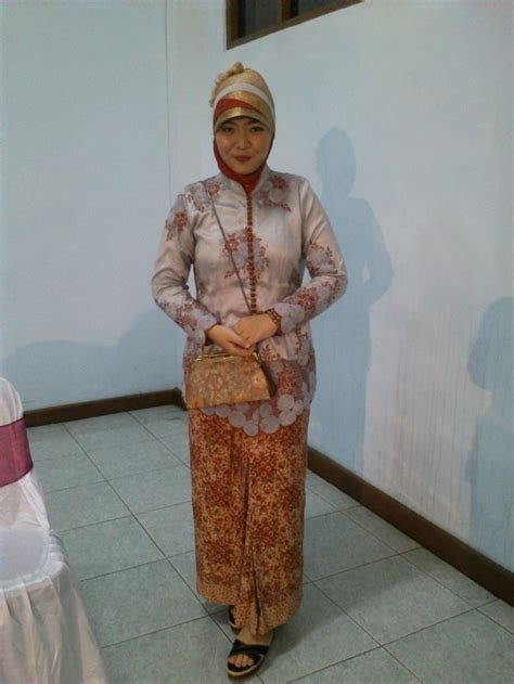 Kebaya Cavali Pink 1000 images about kebaya muslim on muslim