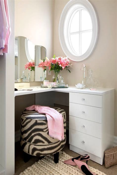 Corner Vanity Table Bedroom 25 Best Ideas About Corner Dressing Table On Pinterest