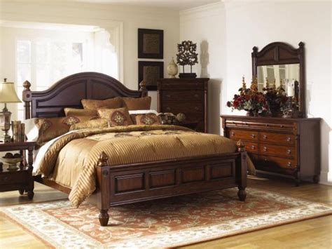 natural wood bedroom furniture with beautiful accents