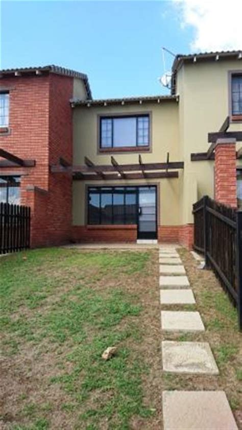 2 bedroom townhouse to rent in bloemfontein property and houses to rent in hillside bloemfontein