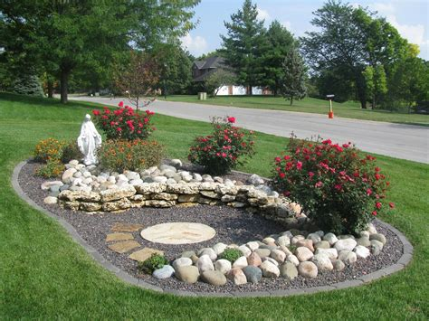 Small Memorial Garden Ideas Create A Memorial Garden Garden And Backyard