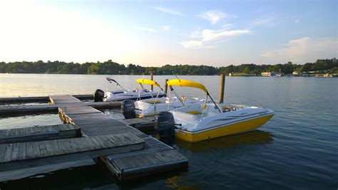 fishing boat rentals at smith mountain lake rentals pontoon pleasure boats jet ski s smith