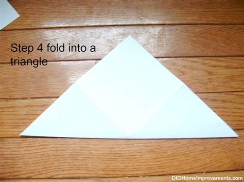 Fold Paper Into Triangle - diy paper ornament dio home improvements