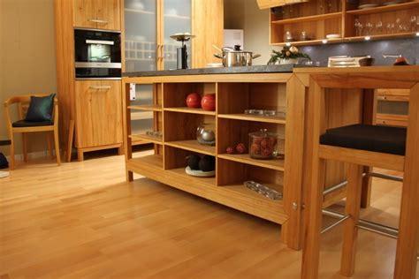 küchenstühle braun eckregal wohnzimmer wei 223