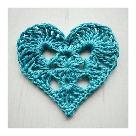crochet heart pattern pinterest heart shaped crochet projects