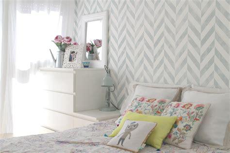 como decorar un cuarto que esta pintado de blanco c 243 mo decorar una habitaci 243 n de matrimonio con papel