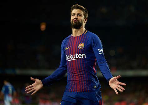 gerard pique gerard pique to sign new barcelona deal till 2022