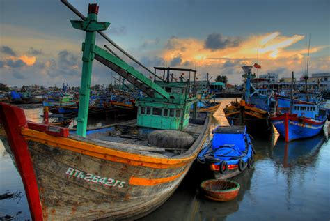 types of vietnamese boats file vietnamese fishing boat 04 jpg wikimedia commons