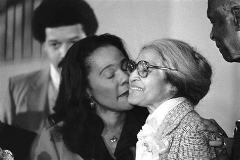 biography of a non famous person famous people kissing 1970 1980 flashbak