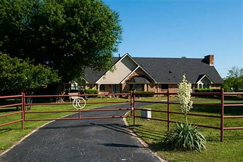 friendly homes in burleson tx real estate