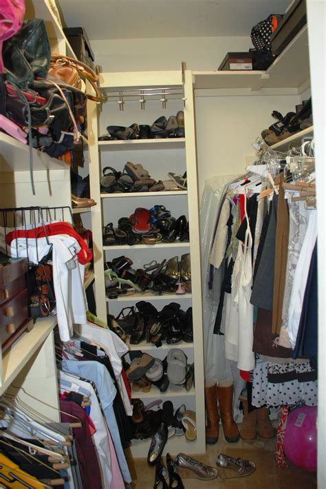 how to organize a small closet with lots of clothes closet walk in decor how to organize a closet with lots