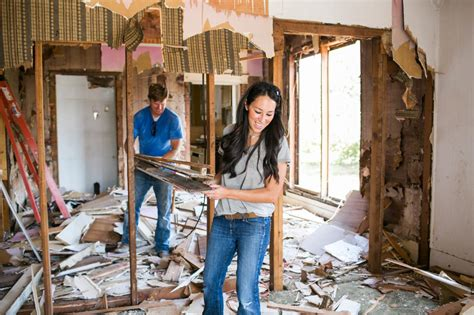 the end of fixer upper chip and joanna gaines net worth here s how to keep up with chip and joanna gaines after