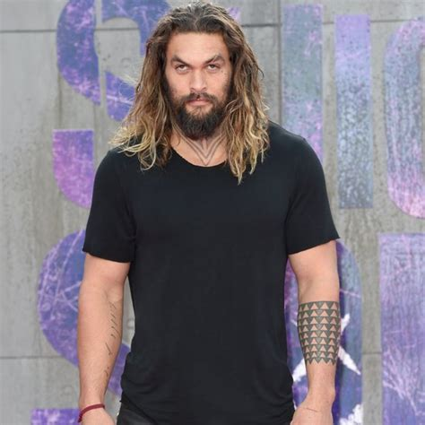 jason momoa as aquaman pictures popsugar entertainment