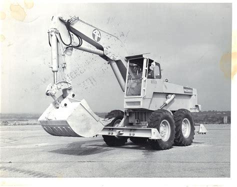 posizione toro seduto escavatore pingon