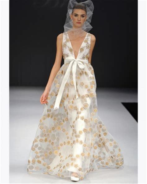Gold Wedding Dresses Uk by Gold Wedding Dresses Wedding Directory Uk